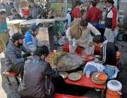 راولپنڈی: محکمہ فوڈ اتھارٹی کی نااہلی، راجہ بازار میں شہری مضر صحت ..