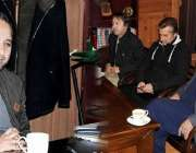 گلگت: وزیر اعلیٰ گلگت بلتستان حافظ حفیظ الرحمن سے صوبائی وزیر قانون ..