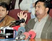 پشاور: پاکستان تحریک انصاف کے ایم پی اے فصل الٰہی پریس کانفرنس سے خطاب ..