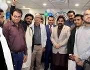 کراچی: آواز ویلفیئر ٹرسٹ انٹر نیشنل کے افتتاح کے موقع پر وزیر اطلاعات ..