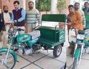 فیصل آباد: وزیراعظم پاکستان کی طرف سے ڈپٹی کمشنر آف میں وہیل چیئر موٹر ..