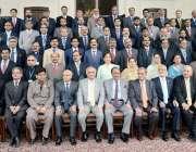 لاہور: صدر مملکت ممنون حسین کے ساتھ نیشنل سکول آف پبلک پالیسی لاہور ..