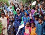 حیدر آباد: سانگھر کے رہائشی اپنے مطالبات کے سلسلے میں احتجاجی مظاہرہ ..