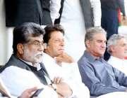 کوئٹہ: ایوب اسٹیڈیم پہنچنے کے بعد چیئرمین پاکستان تحریک انصاف عمران ..
