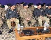 کراچی: کور کمانڈر کراچی لیفٹیننٹ جنرل شاہد بیگ ملیر گریژن میں آئی جی ..
