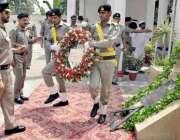 لاہور: ڈی آئی جی موٹروے پولیس مرزا فاران بیگ لائن ہیڈ کوارٹر لاہور میں ..