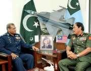 اسلام آباد: پاک فضائیہ کے سربراہ ائیر چیف مارشل سہیل امان سے ملیشین ..