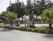 کوئٹہ: محکمہ جنگلات کا عملہ بلوچستان اسمبلی کے سامنے پودوں کی کیاریاں ..