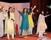 راولپنڈی: جشن آزادی کی تقریب کے سلسلے میں آرٹش کونسل کے زیر اہتمام سٹیج ..