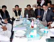 حیدر آباد: پاکستان تحریک انصاف لیبر ونگ کے اجلاس میں نعیم عادل، چنیسر ..