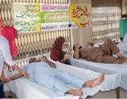 فیصل آباد: سبزی و فروٹ منڈی میں علی زیب فاؤنڈیشن کے تحت تھیلیسیمیا میں ..
