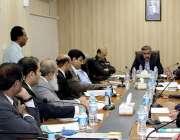 کراچی: وزیر داخلہ سندھ سہیل انور سیال کی صدارت میں موٹر اسائیکل مینوفیکچررز ..