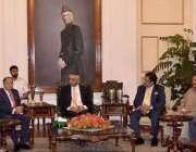 کراچی: گورنر سندھ محمد زبیر گورنر ہاؤس میں سید سرمت علی کی قیادت میں ..