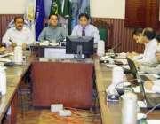 لاہور: کمشنر لاہور ڈویژن عبداللہ خان سنبل انسداد ڈینیگ کے حوالے سے ..