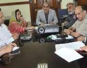لاہور: وفاقی وزیر ریلوے خواجہ سعد رفیق ہیڈ کوارٹرز لاہور میں اعلیٰ ..