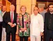 کراچی: فرانس کی سفیر مسز مارٹین ڈورینس کے اعزاز میں دیئے گئے عشائیہ ..