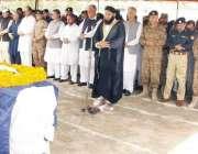پشاور: ملک سعد شہید پولیس لائن میں شہید ڈی پی او ساجد مہمند کی نمازہ ..