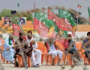 کوئٹہ: پاکستان تحریک انصاف کا جلسہ شروع ہونے سے قبل جیالے جلسہ گاہ میں ..