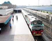 راولپنڈی: ریلوے اسٹیشن میں تیار کی جانیوالی نئی ٹرین ریلوے اسٹیشن صدر ..