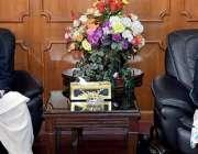 مظفر آباد: وزیراعظم آزاد کشمیر راجہ محمد فاروق حیدر خان سے کنٹرولر ..