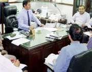 لاہور: کمشنر لاہور ڈویژن عبداللہ خان سنبل واسا ڈرین کے لیے ایل ڈی اے ..