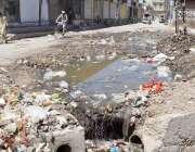 کوئٹہ: صوبائی دارالحکومت کے علاقے کلی دیبہ میں کچرا اور سیوریج کا بہتا ..