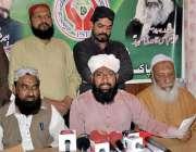 حیدر آباد: پاکستان سنی تحریک کے صوبائی رہنماء خالد حسن عطاری اپنے آفس ..
