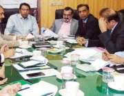 لاہور: وائس چیئرپرسن اووسیز پاکستانیز کمیشن، شاہین خالد بٹ اور کمشنر ..