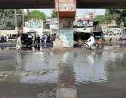 حیدر آباد: نیاپل کے قریب سخی وہاب شاہ فلائی اوور کے نیچے سیوریج کا پانی ..