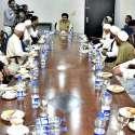 اسلام آباد: چیئرمین سینیٹ محمد صادق سنجرانی پارلیمنٹ ہاؤس میں فاٹا ..