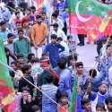 کامونکی: ممبرشپ کیمپ میں عمران خان کی آمد سے قبل کارکنوں کی بڑی تعداد موجود ہے۔