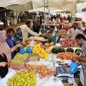 ملتان: شہریوں کی بڑی تعداد سستا رمضان بازار سے فروٹ اور سبزیاں خریدنے ..
