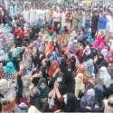 لاہور: ڈینگی ملازمین نے اپنے مطالبات کے حق میں پریس کلب کے باہر دھرنا دے رکھا ہے۔
