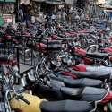 راولپنڈی: راجہ بازار نوپارکنگ پر کھڑے موٹر سائیکلوں کے باعث ٹریفک جام رہنما معمول بن گیا ہے۔