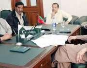 لاہور: صوبائی وزیر محنت انصر مجید خان سے بینک آف پنجاب ایمپلائز یونین ..