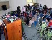 اسلام آباد: منیجنگ ڈائریکٹر بیت المال عون عباس بپی تقریب کے دورن خطاب ..