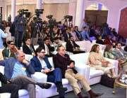 """کراچی: صدر مملکت ڈاکٹر عارف علوی """"A World of Tomorrow Remaining"""" پر گفتگو پینل کی .."""