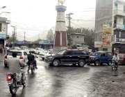 گلگت: ہنزہ چوک میں ٹریفک جام کا منظر۔