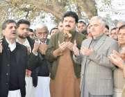 صوابی: زیر اعلیٰ خیبر پختونخوا محمود خان شاہ زیب شہید کی قبر پر فاتحہ ..