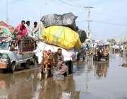 حیدر آباد: ہالہ ناکہ روڈ رپر سیوریج کے پانی کے باعث شہریوں کو مشکلات ..