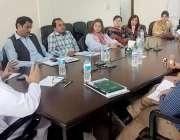 لاہور: پنجاب اریگیشن اینڈ ڈرینج اتھارٹی (پیڈا) کے جنرل منیجر محمد اسلم ..
