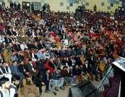 پشاور : وزیر اعلیٰ خیبر پختونخوا پرویز خٹک نشتر ہال میں منعقدہ تقریب ..