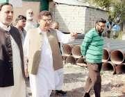 لاہور: صوبائی وزیر برائے ہاؤسنگ میاں محمود الرشید مری بلک واٹر منصوبے ..
