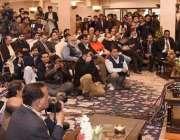 اسلام آباد: سابق وزیراعظم نواز شریف پنجاب ہاؤس میں پریس کانفرنس کر ..