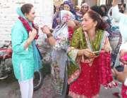 لاہور: تحریک انصاف کی مرکزی رہنما مسرت چیمہ این اے127سے امیدوار جمشید ..