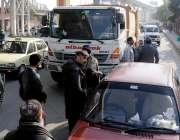 راولپنڈی: محکمہ البراق کے ڈرائیور کی جلد بازی کے باعث حادثے کا شکار ..