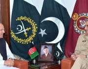 راولپنڈی: آرمی چیف جنرل قمر جاوید باجوہ سے افغانستان کے سفیر ڈاکٹرحضرت ..
