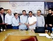 کراچی: ٹمبر مرچنٹس گروپ کے تحت تین روزہ ڈرائیونگ لائسنس کیمپ کی افتتاحی ..