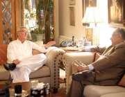 اسلام آباد: جہانگیر ترین سے جی ڈی کے رہنما غوث بخش مہر ملاقات کر رہے ..