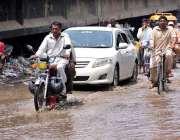 سرگودھا : سرگودھا شہر میں ہونیوالی موسلا دھار بارش کا منظر۔